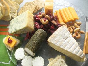 Picking The Cheeses : the cheese plate - pezcame.com