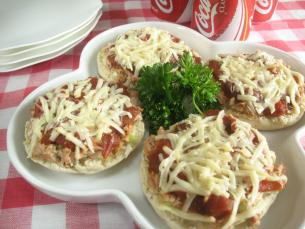 English Muffin Pizzas with Tuna Fish > Start Cooking